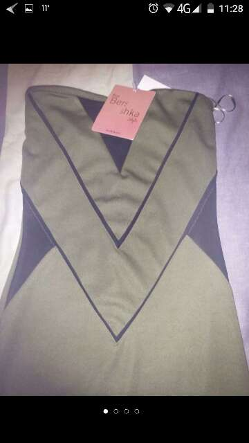 Imagen vestido Bershka talla s con etiqueta