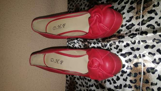Imagen producto Zapatos rojos talla 35 2