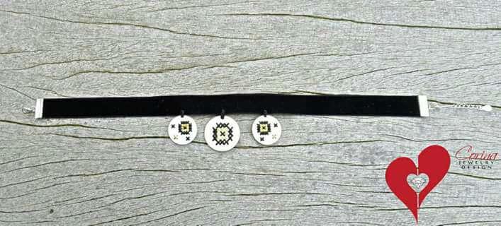 Imagen producto Anillo, pendientes y choker hechos a mano 3