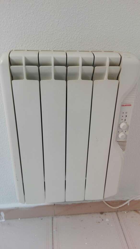 Imagen radiadores calor azul