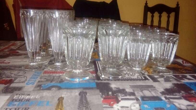 Imagen Juego de 36 vasos  antiguos
