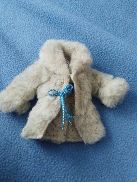 Imagen abrigo barbie