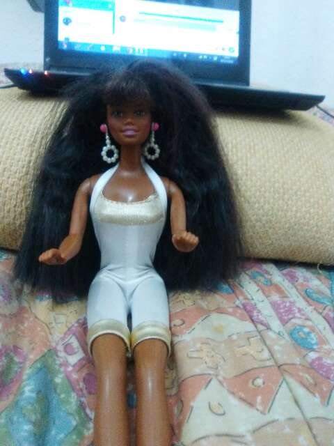 Imagen barbie negra año 89