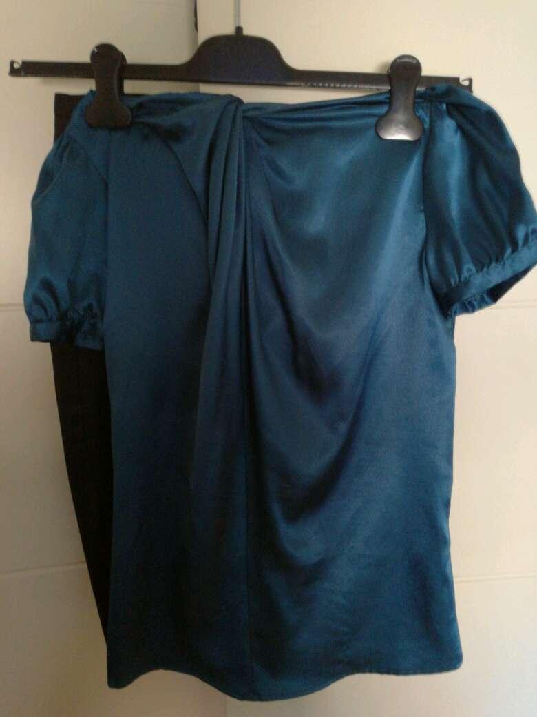 Imagen producto Falda de tubo y camisa turquesa 2