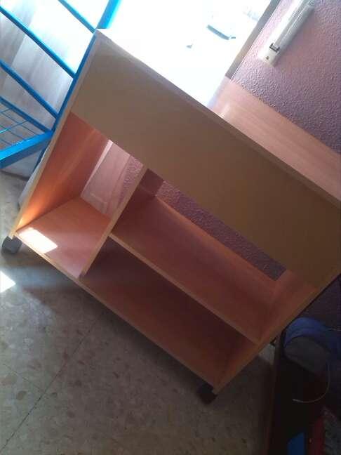 Imagen escritorio más silla