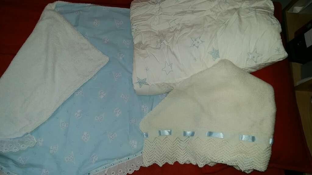 Imagen conjunto de mantitas de bebe
