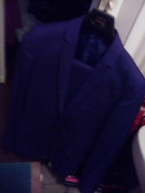 Imagen se vende juego de pantalón y chaqueta nuevo azul oscuro
