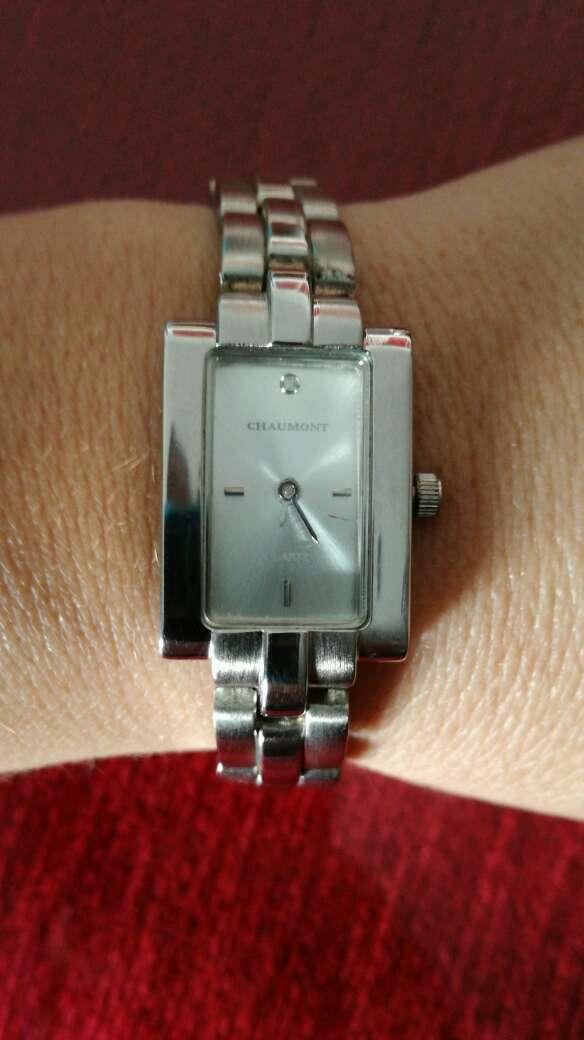 Imagen Reloj de acero Quirúrgico medida pequeña entre 17 y 18 cm