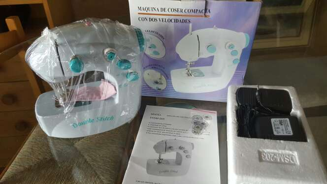 Imagen producto Maquina de coser 1