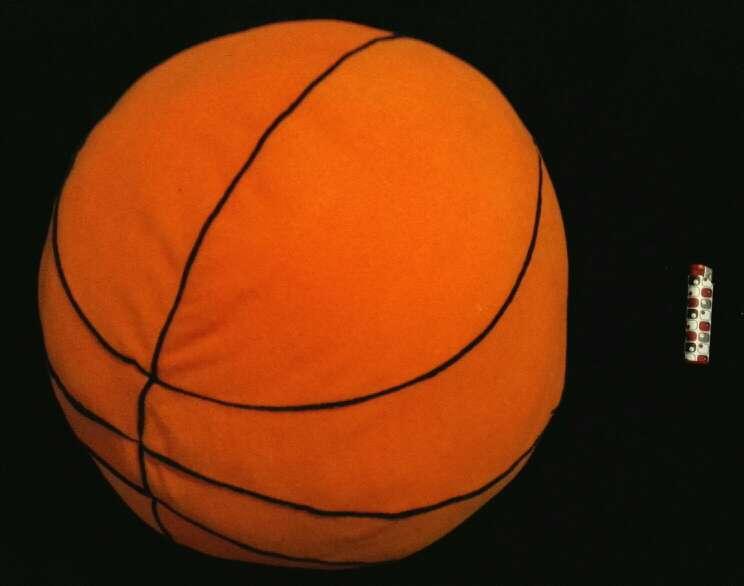 Imagen producto Cojín grande tipo balón de basket 3