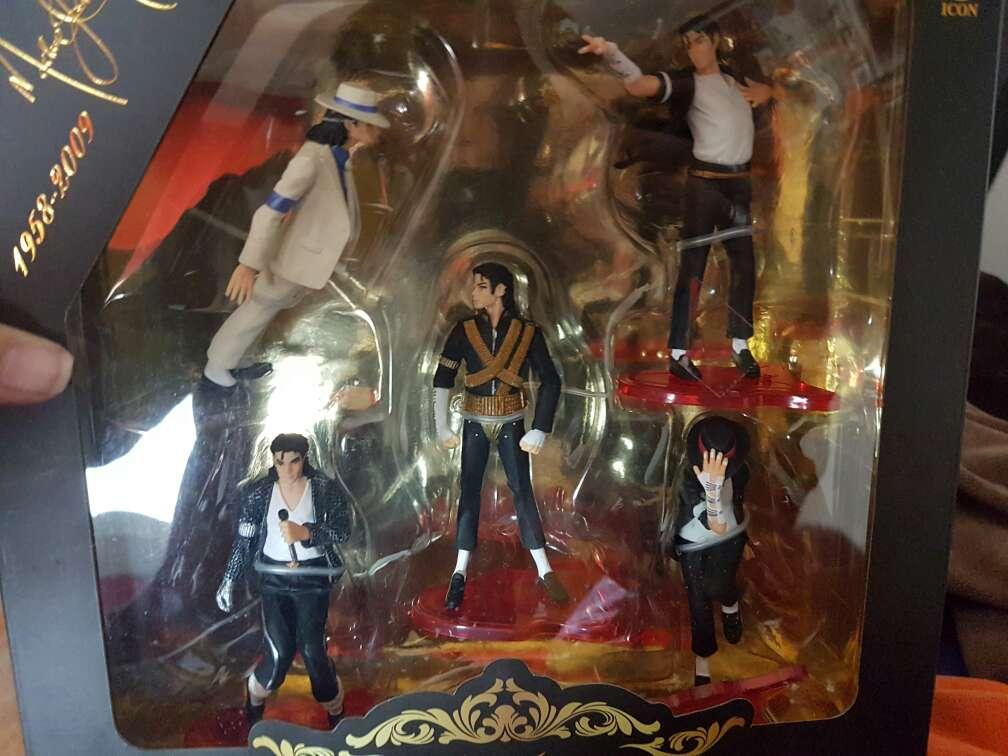 Imagen colección replicas de Michael Jackson