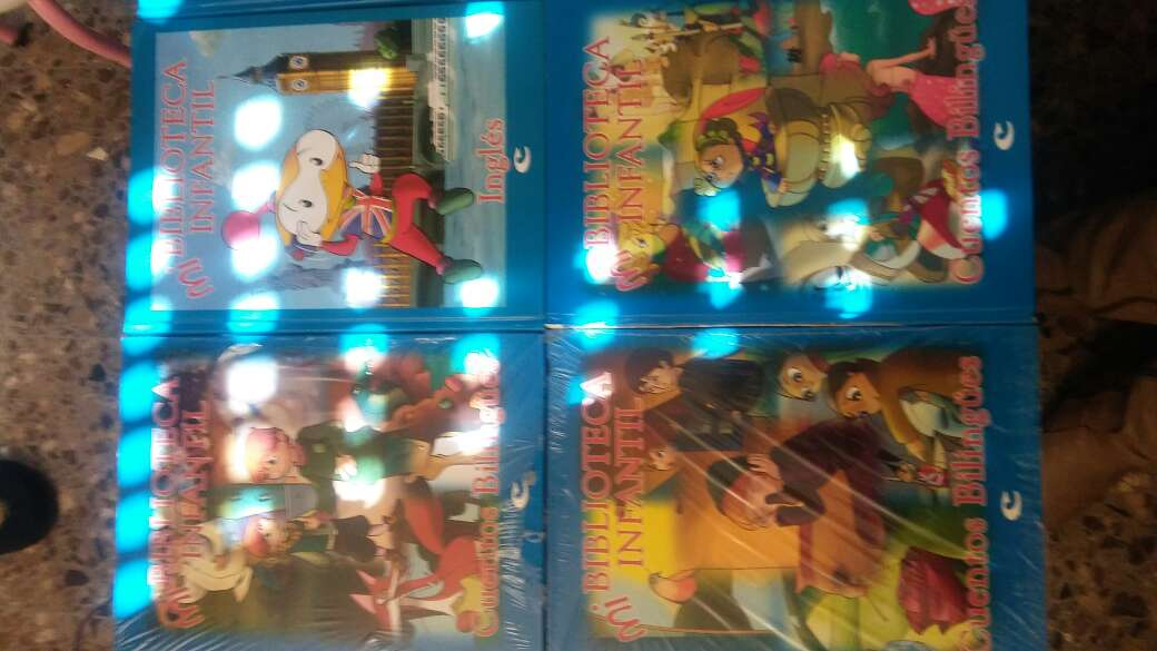 Imagen producto Libros infantiles de bilingues y Cds  4