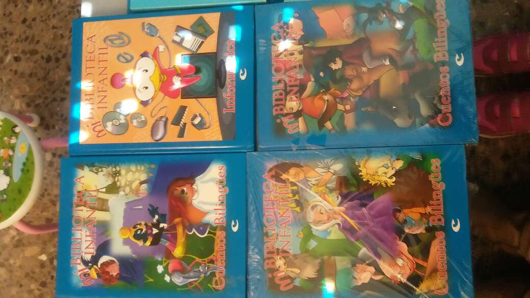 Imagen producto Libros infantiles de bilingues y Cds  3