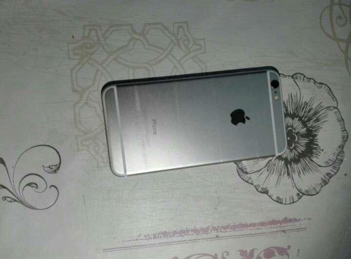 Imagen producto IPhone 6 plus, con defecto,  la pantalla se pone en blanco cada x tiempo 3