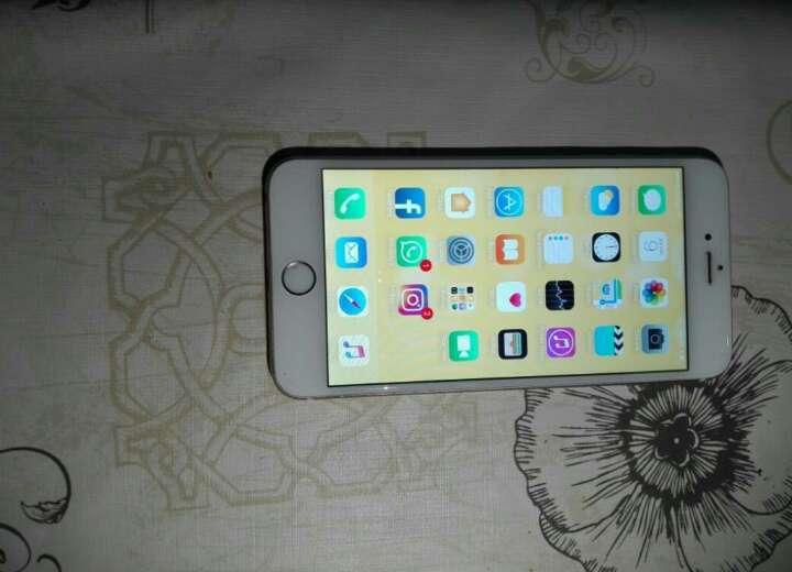 Imagen iPhone 6 plus, con defecto,  la pantalla se pone en blanco cada x tiempo