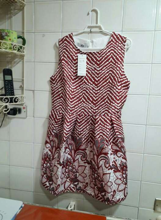 Imagen producto Vestido con etiqueta. 1