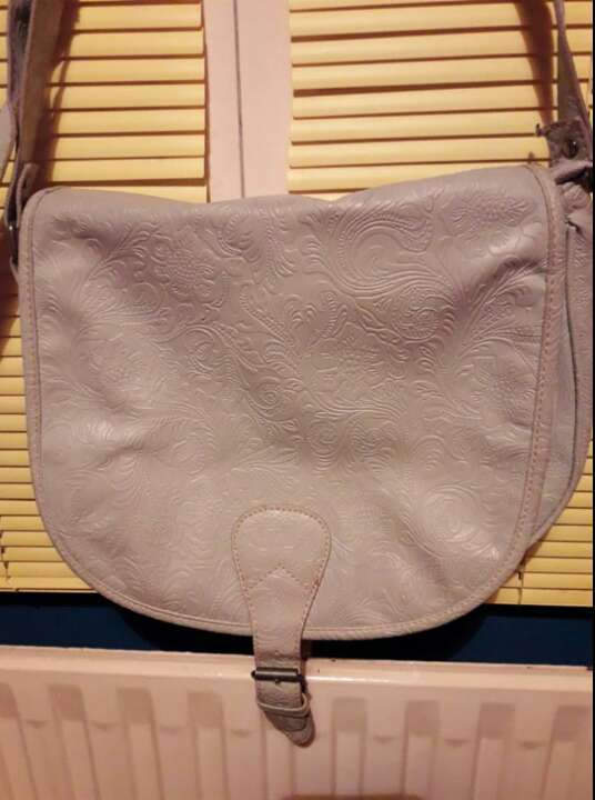 Imagen producto Bolso gris. 1