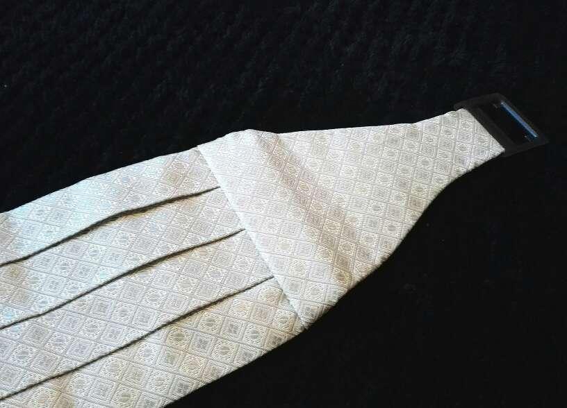 Imagen producto Nuevos - 3 fajines de ceremonia emidio tucci 2