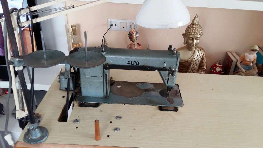 Imagen producto Máquina de coser marca Alfa  4
