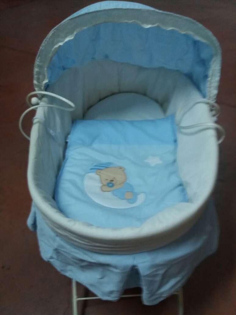 Imagen producto Capazo con patas para bebe 2