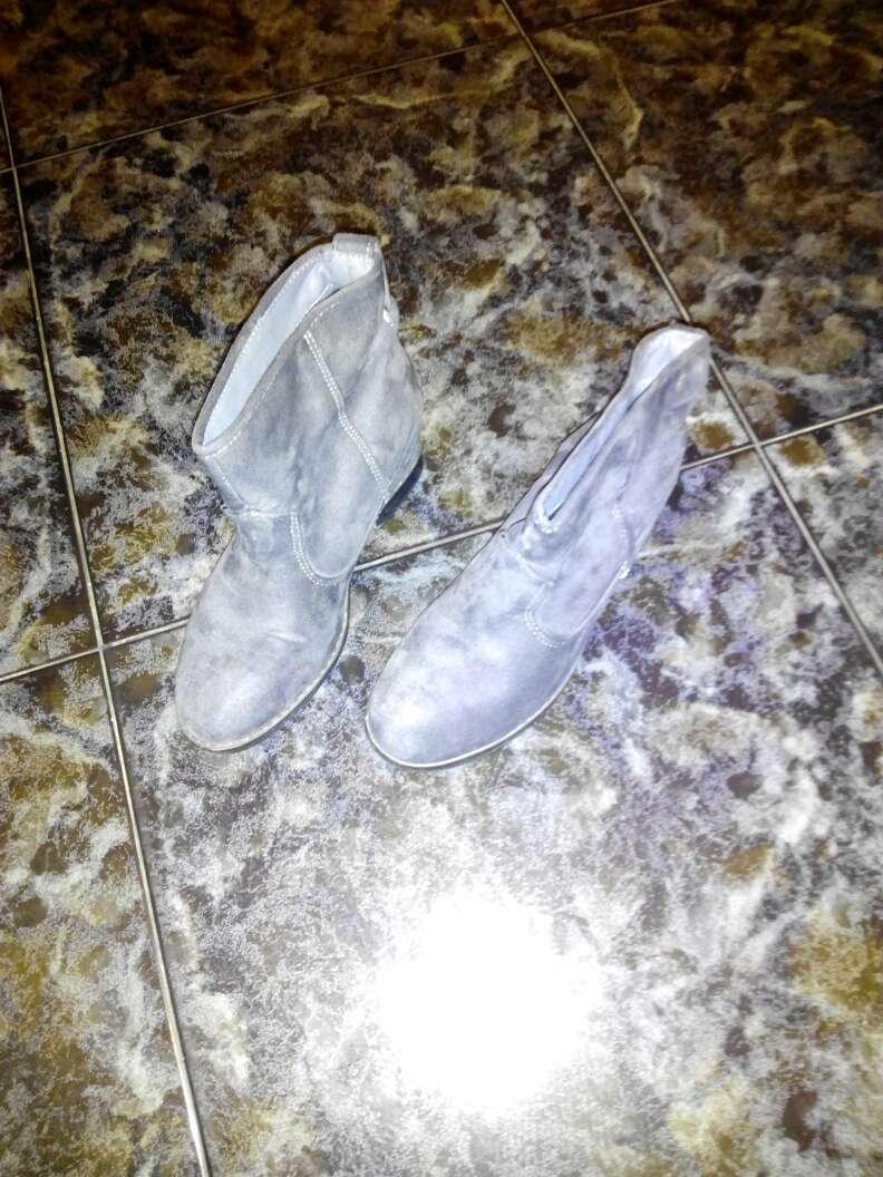 Imagen producto Zapatos talla 38 algún 37 y algún 39 pero mas 38 y ropa y oro 2