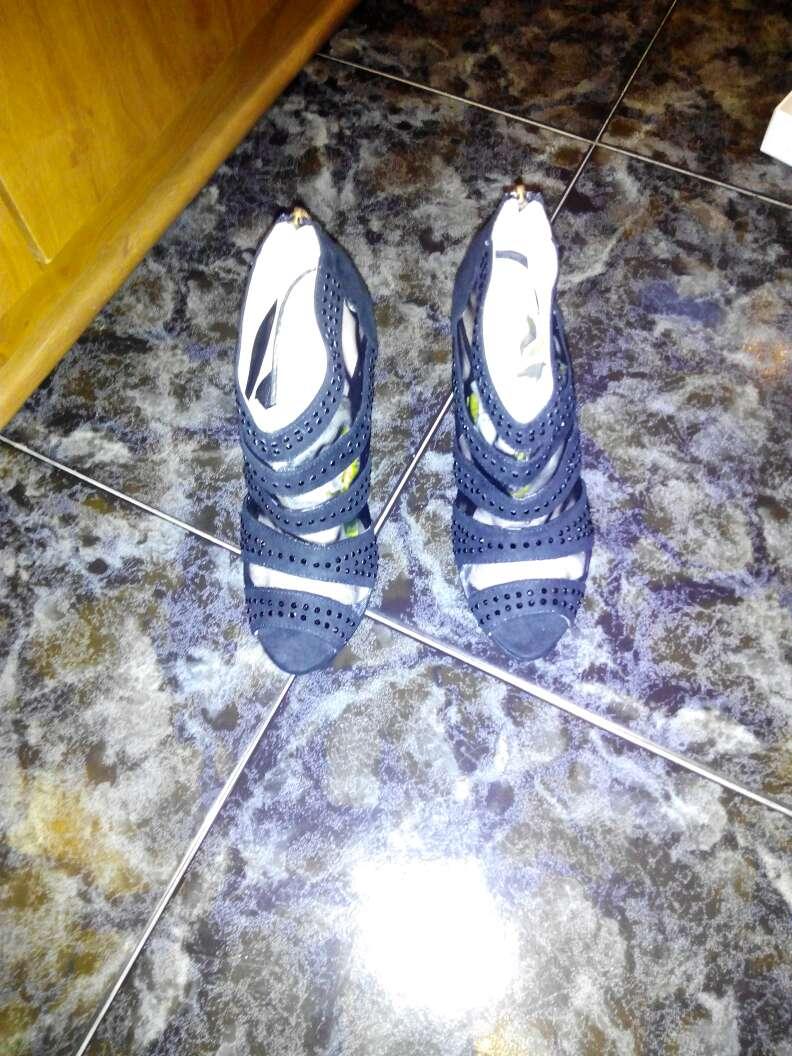 Imagen producto Zapatos talla 38 algún 37 y algún 39 pero mas 38 y ropa y oro 3