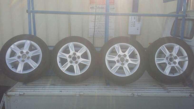 Imagen ruedas (llantas y neumaticos)400€