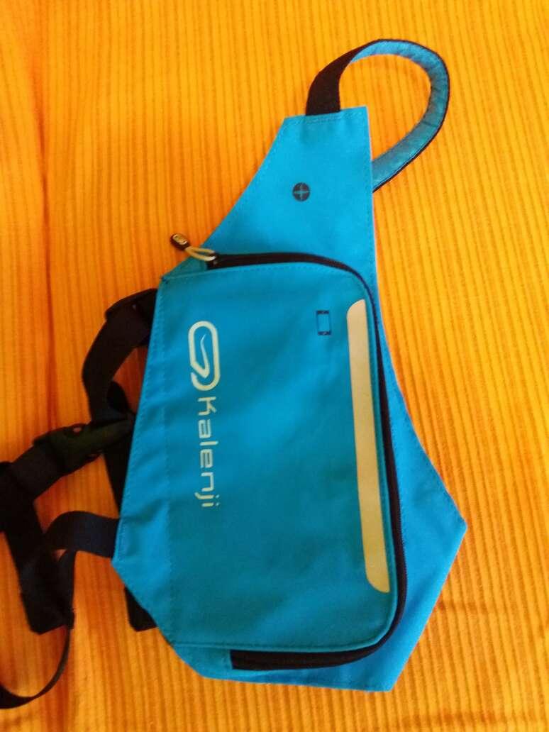 Imagen bolso para móvil azul