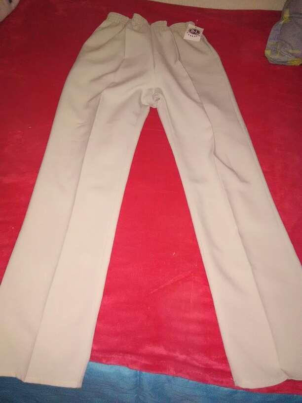 Imagen pantalon talla 42