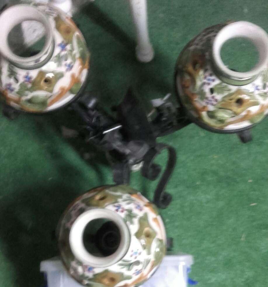 Imagen lámpara de hierro y cerámica
