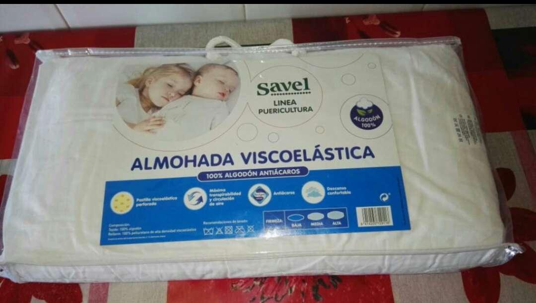 Imagen almuhada de bebe sin estrenar para cuna viscoelastica