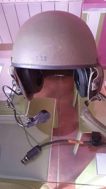 Imagen Casco del ejército real nuevo