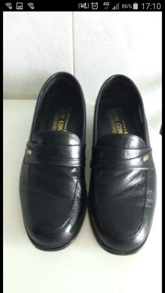Imagen vendo zapatos