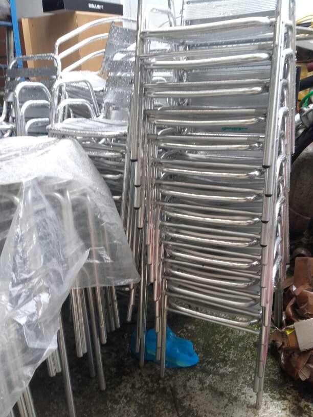 Imagen sillas y mesas terraza