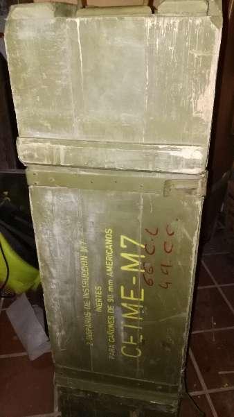 Imagen Baúl cajón de madera decoración del ejército