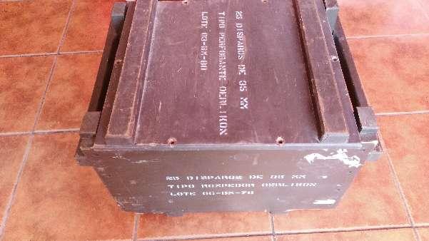 Imagen Cajón cuadrado de madera del ejército