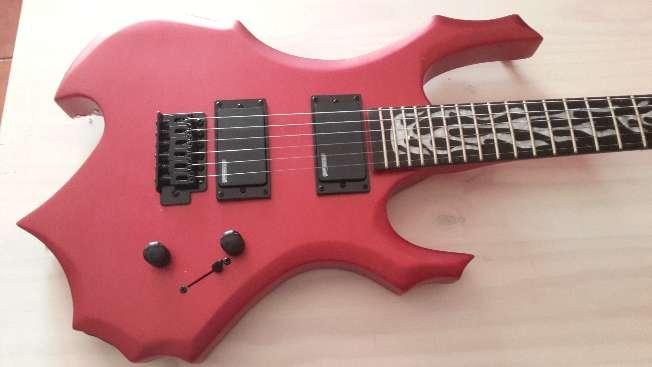 Imagen Guitarra eléctrica rojo poder
