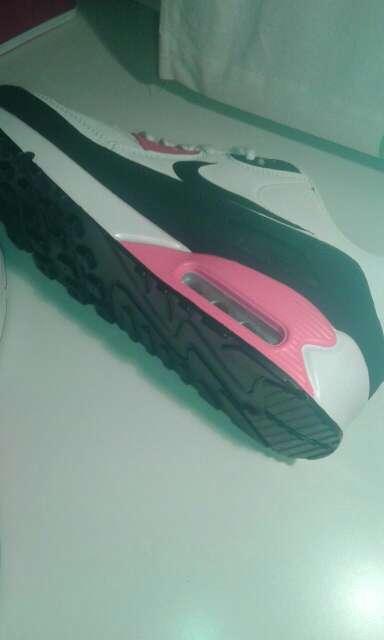 Imagen zapatillas airmax