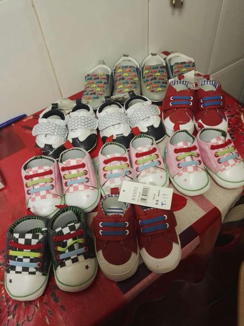 Imagen se vende lote de bebe ropa interior algun pijama y calzado