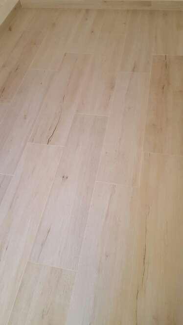 Imagen producto Suelo porcelanico imitación madera keraben  2