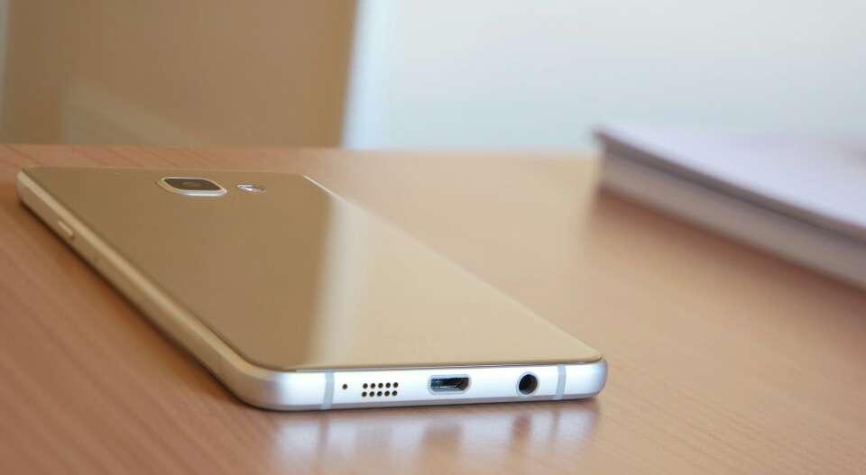 Imagen producto Samsung Galaxy A5 Dorado 3