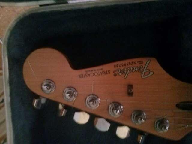 Imagen producto Gutarra eléctrica fender stratocaster  3