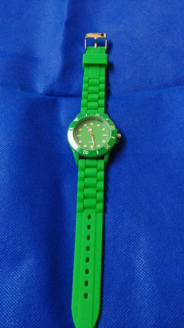Imagen producto Reloj verde correa silicona 3