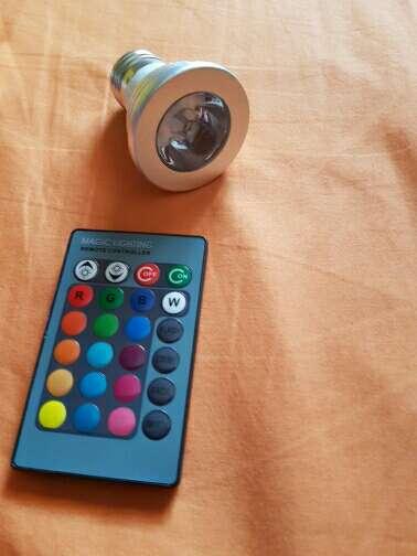 Imagen luz led de colores con mando a distancia