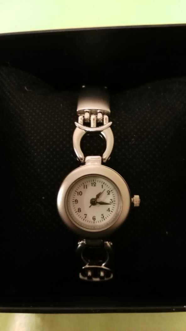 Imagen Reloj de chica en estuche