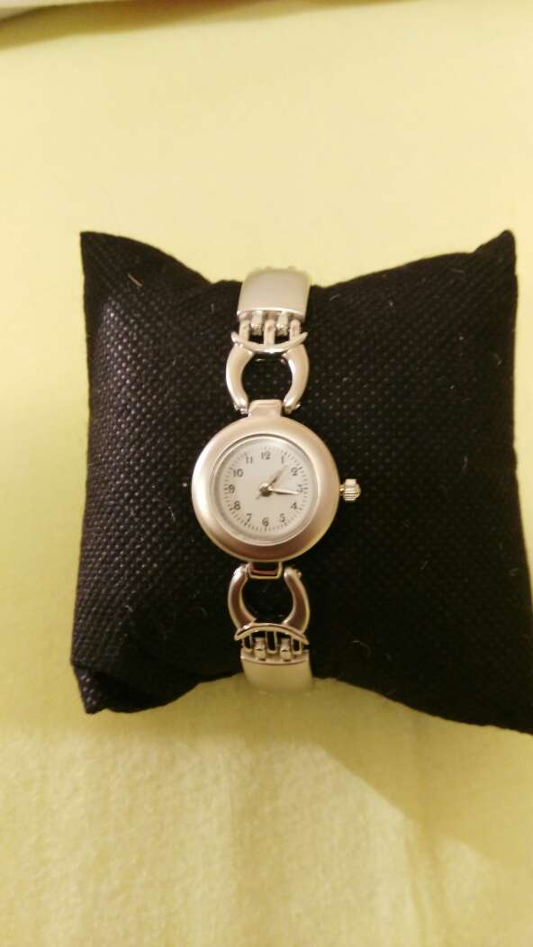 Imagen producto Reloj de chica en estuche 3