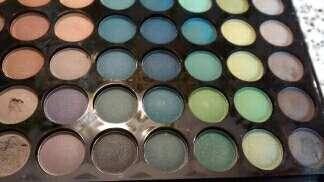 Imagen producto Paleta 77 sombras ojos W7 3