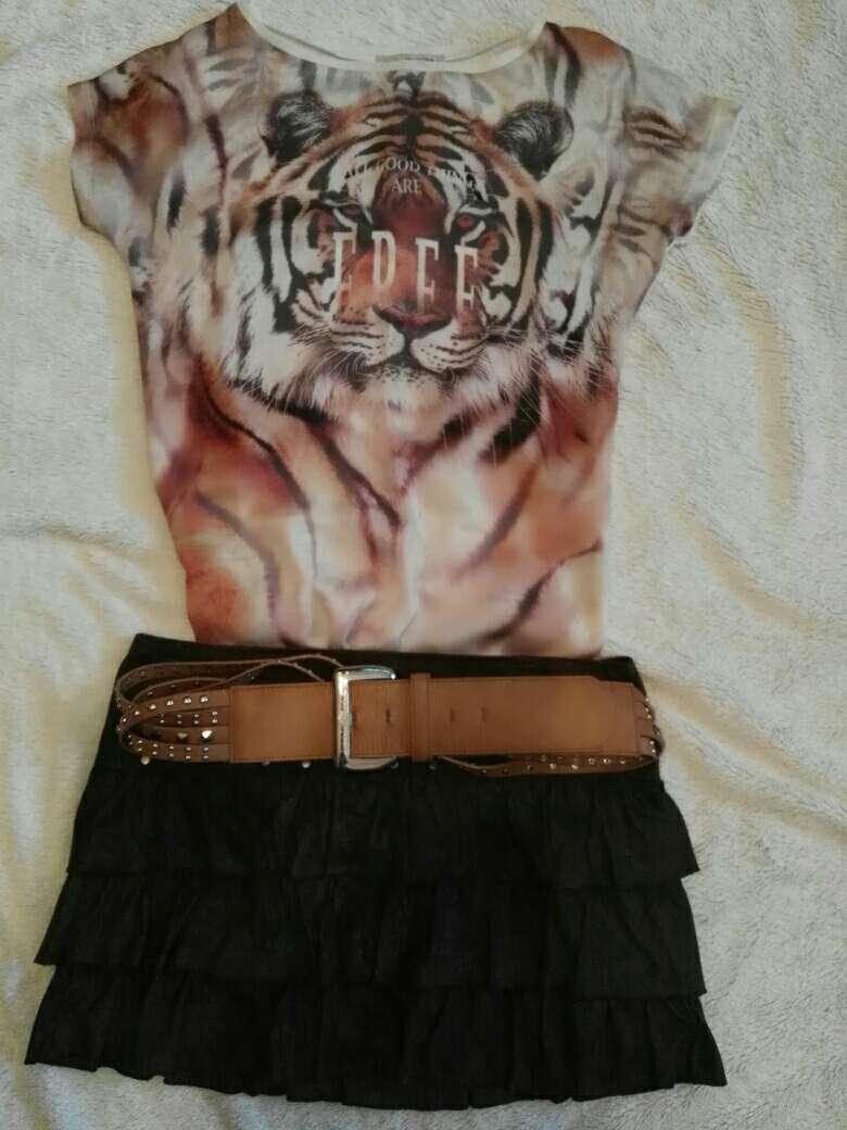 Imagen Falda y camiseta