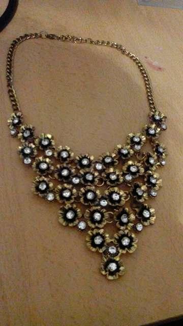 Imagen producto Collar de flores 1