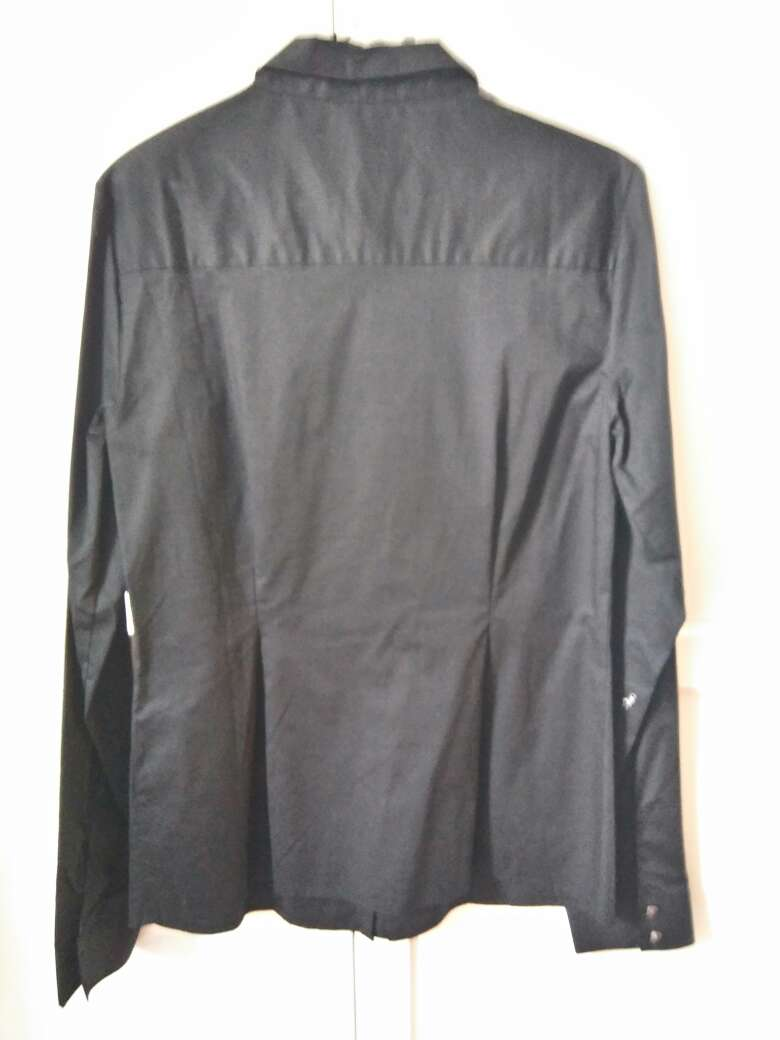 Imagen producto Camisa negra sin estrenar 3